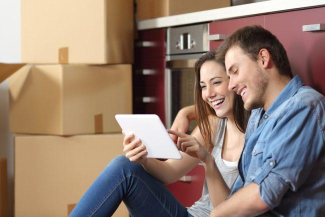 couple buying used kitchen